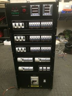 Multi Distro Chassis with dual powerlock in, a switched powerlock out. Separate volts and amp meters. 7 neon indicators show any and all faults. Loss of neutral indicator. Separate, Neutral, Neon, Amp, Pull Apart, Neon Colors, Neon Tetra