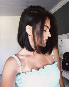 35 Short Bob Hairstyles 2019 for Women - Hairstyles Trends Long Bob Haircuts, Short Bob Hairstyles, Cool Hairstyles, Hairstyles For Fine Thin Hair, Hairstyles 2018, Hairstyle Ideas, Bob Haircut For Fine Hair, Lob Haircut, Straight Bob Haircut