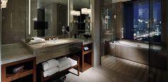 deluxe-bathroom-view-tokyo- ...
