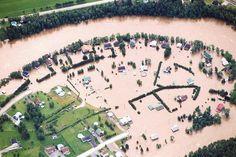 La rivière Chicoutimi sort de son lit dans le secteur Laterrière. 1996 Hui, City Photo, Images, History
