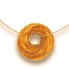 Gold Necklace by Niessing. Modern Jewelry, Gold Jewelry, Jewelry Accessories, Gold Necklace, Jewellery, Mango Mojito, Rust Color, Swirls, Polymer Clay