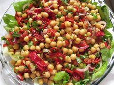 Big Salad, Black Eyed Peas, Grilled Chicken, Pasta Salad, Salad Recipes, Meals, Ethnic Recipes, Pancakes, Food