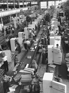 Refrigerators on Assembly Line at General Electric Plant Photographic Print by Alfred Eisenstaedt at AllPosters.com