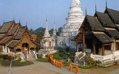 Monks near Phra Wiharn Lai Kam in Chaing Mai, Thailand Chiang Mai, Chaing Mai Thailand, Thailand Photos, Visit Thailand, Thailand Travel, Vietnam, Work Abroad, Future Travel, Historical Sites