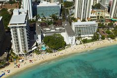 Moana Surfrider, A Westin Resort - aerial view
