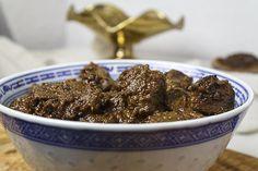 Rendang daging – aromatisches, geschmortes Rindfleisch