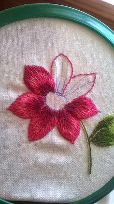 """Devo ammettere che il libro di Trish Burr """"Needle Painting Embroidery"""" e Iolanda sono stati essenziali per iniziare questo tipo di ricamo......"""