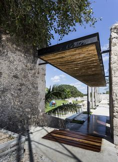 Image 7 of 45 from gallery of Niop Hacienda / AS arquitectura + Photograph by David Cervera Castro Tropical Architecture, Space Architecture, Contemporary Architecture, Architecture Details, Contemporary Houses, Pavilion Architecture, Residential Architecture, Sustainable Architecture, Different Architectural Styles