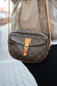 Fellweste, Fake Fur, Louis Vuitton, Gina Tricot, Mamablogger, Schwangerschaft, Baby Blog