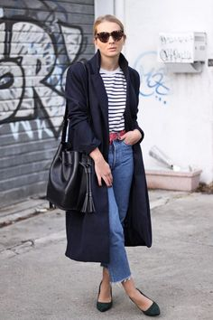 spring outfit with trench and crop denim