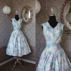 Vintage 1950's dress by pursuingandie