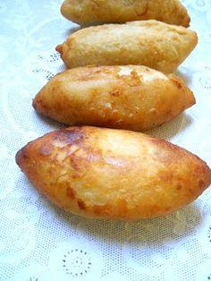 Cocina Chilena . Recetas Caseras: PAPAS RELLENAS Potato Recipes, Baby Food Recipes, Cooking Recipes, Papas Rellenas Recipe, Tapas, Chilean Recipes, Chilean Food, Potato Croquettes, Dominican Food