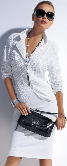 classic white - Fashion Jot- Latest Trends of Fashion love this look for the Summer LaFem Beauty And Fashion, White Fashion, Look Fashion, Womens Fashion, Fashion Trends, Fashion Inspiration, Trending Fashion, Fashion Tips, How To Have Style
