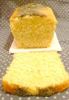 Bonjour bonjour! Pour ma copine Maud, je vous livre la recette d'un cake au citron Alors moi, honnêtement, je n'ai pas eu de coup de coeur. Il n'était pas gonflé comme je les aime, je le trouvais un peu «dense»,…