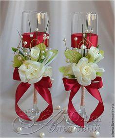 Купить или заказать Свадебные аксессуары малиновые в интернет-магазине на Ярмарке Мастеров. Коллекция свадебных аксессуаров с цветами, бусинами и вишнёвой лентой. Цвет ленты может быть любым по вашему желанию. Все аксессуары можно приобрести отдельно. В набор входят: - бокалы для жениха и невесты - украшение для двух бутылок шампанского - подушечка для колец Возможно изготовление любых других, нужных вам свадебных аксессуаров, в том же стиле.
