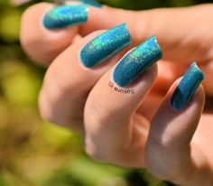 Vernis Jade FALLING STAR Holographique collection Rainbow Effect. Retrouvez le en boutique ici www.parlezenauxcopines.com International delivery
