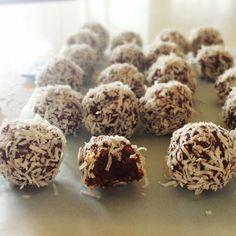 Delish, sugar-free, raw vegan choc balls!  Chickpeas are the main ingredient. Add coffee, rum, orange zest or mint for a slightly different taste.