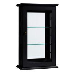 Een zwarte vitrinekast welke aan de muur opgehangen kan worden.