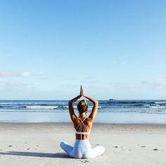 yoga inspiration / yoga + yoga poses for beginners + yoga poses + yoga fitness + yoga quotes + yoga inspiration + yoga room + yoga photography Ashtanga Yoga, Kundalini Yoga, Yoga Meditation, Yoga Bewegungen, Sup Yoga, Pranayama, Yoga Flow, Vinyasa Yoga, Namaste Yoga
