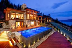 Contemporary style lake house in Canada