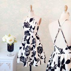 Josine www.1861.ca #boutique1861 #patterndress #blackandwhite #floraldress #flowers #springoutfit #lookbook #fashion