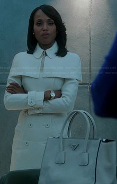 Olivia's white caped trench coat and white purse on Scandal.  Outfit Details: http://wornontv.net/20040/ #Scandal #ABC