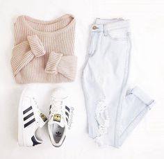 Find images and videos about fashion, style and outfit on We Heart It - the app to get lost in what you love. Teen Fashion Outfits, Cute Casual Outfits, Outfits For Teens, Stylish Outfits, Fall Outfits, Fashion 2016, Fashion Fall, Blue Jean Outfits, White Jeans Outfit