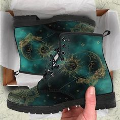 HandCrafted Green Sun and Moon Boots.,HandCrafted Green Sun and Moon Boots. Boots for Women - Face the Breeze and Weather with Appeal Women's boots : With the proper women's boots , you no. Moon Boots, Timberland Stiefel Outfit, Timberland Fashion, Zapatos Shoes, Doc Martens Boots, Yellow Boots, Shoe Company, Me Too Shoes, Cute Shoes Boots
