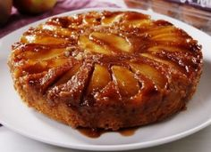 This version of Caramel Apple Upside Down Cake by Delish is Yummy! It is one of our favorite desserts and it is sure to impress. Apple Dessert Recipes, Fall Dessert Recipes, Fall Desserts, Apple Recipes, Pumpkin Recipes, Fall Recipes, Cookie Recipes, Food Cakes, Caramel Apple Cheesecake Bars