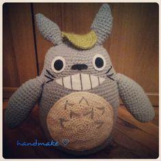 Впереди выходные ,наш новый Тоторо очень рад ^ _ ^  #totoro #anime #adult #toy #baby #gift #crochet #etsy #etsyfind #cute #funny #тоторо #аниме #мультфильм #мультсериал #мультяшный #ручнаяработа #вязание #сувенир #подарок #игрушка