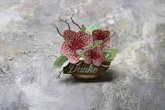 Holz Deko verziert mit Orchideenblüten   Stempelsektor