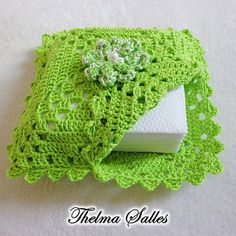 Tissue Box Crafts, Yarn Crafts, Diy And Crafts, Crochet Home, Crochet Gifts, Crochet Baby Sweaters, Creative Embroidery, Christmas Items, Filet Crochet