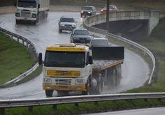 Detran alerta os caminhoneiros sobre segurança no trânsito +http://brml.co/1bLjOkc