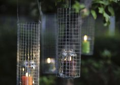 Tee puutarhalyhdyt metalliverkosta | Meillä kotona Seasonal Decor, Bird Feeders, Home And Garden, Outdoor Decor, Diy, Decorating, Home Decor, Decor, Decoration