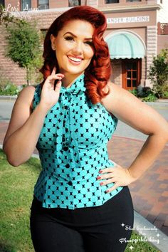 Pin up fashion Curvy Fashion, Look Fashion, Plus Size Fashion, Girl Fashion, Pin Up Style, My Style, Girl Style, 50s Outfits, Pinup Girl Clothing