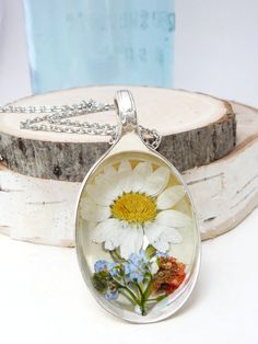 Real Pressed Flower Jewelry White Daisy Spoon von BloomSpoons