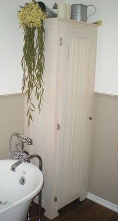 Armoire de salle-de-bain / Bathroom cabinet 2013 Érable peinturé, quincaillerie Painted maple, hardware