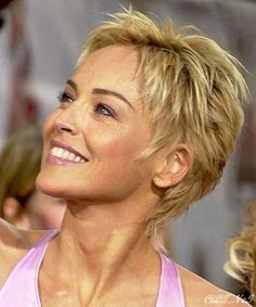 Resultado de imagem para Short Hair Styles For Older WomenBest Sharon Stone Short Hairstyles, The development in the fields of vogue and films has completely altered the trend in hairstyling.kurze Frisuren - 25 Best Short Haircuts for you're afraid Sharon Stone Short Hair, Sharon Stone Hairstyles, Edgy Haircuts, Best Short Haircuts, Cute Hairstyles For Short Hair, Short Hair Cuts For Women, Curly Hair Styles, Edgy Hairstyles, Haircut Short