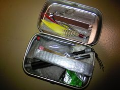 super smart survival kit made from Altoids tin.  I could make a whole board just for Altoids tin kits...