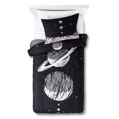 A nighttime dreamscape awaits you with the Planetary Party Comforter Set from Pillowfort. The kids' bedding set includes a full/queen comforter and 2 pillow shams that are machine washable. The beautiful bedding works well in a boy's or girl's room and teaches them to reach for the stars.