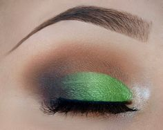 Trea Frog Cut Crease
