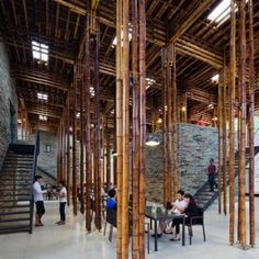 World Architecture Festival clustered lengths of bamboo create a forest of columns in the open-air dining room of this Vietnam restaurant by Vo Trong Nghia Architects Bamboo Architecture, Contemporary Architecture, Interior Architecture, Bamboo Bamboo, Bamboo House, Bamboo Light, Vietnam Restaurant, Bamboo Building, World Architecture Festival