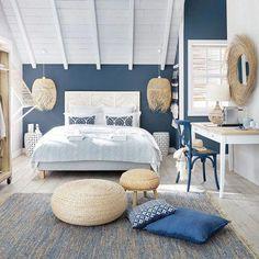 Home Decorating Websites Stores Code: 2674258922 Hotel Bedroom Design, Beach House Bedroom, Home Bedroom, Bedroom Decor, Greek Bedroom, Seaside Apartment, Blue Rooms, My New Room, Home Interior Design