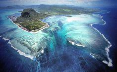 Valóság vagy illúzió? Csodálatos látvány a víz alatti vízesés – Termalfurdo.hu