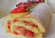 Creamed with lemon and strawberry cream with Thermomix, recipe for a tasty rolled cake, easy to make with thermomix for a gourmet dessert. Thermomix Desserts, Gourmet Desserts, Biscuit Dough Recipes, Bon Dessert, Cake Factory, Lemon Cream, Strawberries And Cream, Tray Bakes, Strawberry