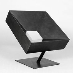 Iconic Design | The most exclusive 20th Century & Contemporary Design Chairs