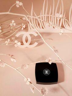 Paper Artist Virginie Brachet for Chanel - Photography by Metz & Racine #paperart #stillife