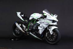 daidegas:  Kawasaki H2R by TRICKSTAR
