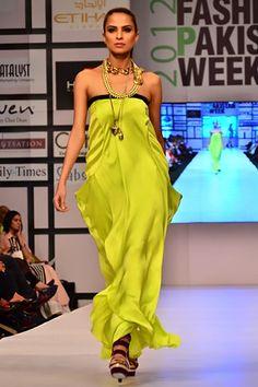 Sanam_Chaudhri_at_Fashion_Pakistan_Week_2012_Day_1_4