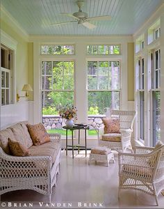 Love the transom windows .Love the transom windows .Love the transom windows . More sunroom ideas - Enclosed Porches, Screened In Porch, Front Porches, Side Porch, 3 Season Room, Three Season Porch, Porch Doors, Blue Ceilings, High Ceilings